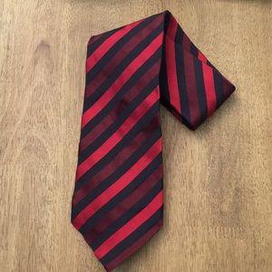 LN Banana Republic Men's Red Stripe Silk Tie
